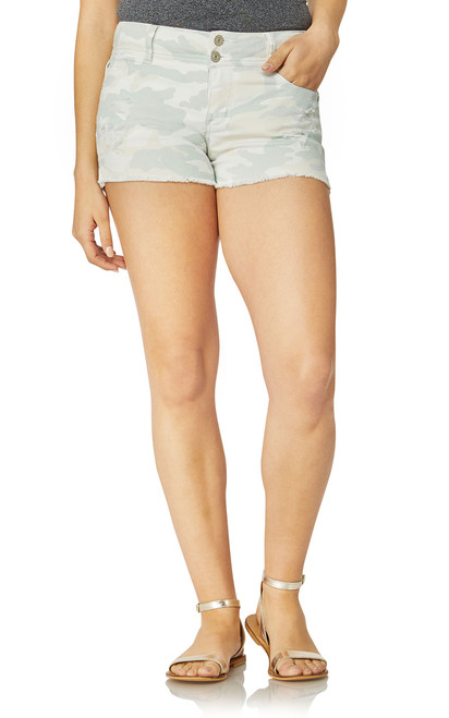 Luscious Curvy Colored Frayed Shorts In Camo