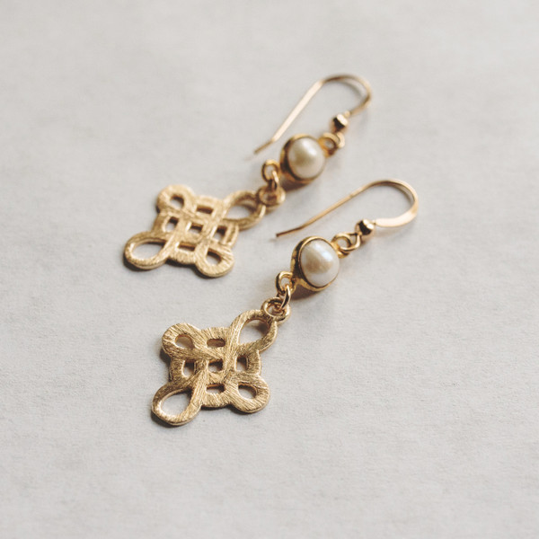 Pearl and Gold Knot Earrings