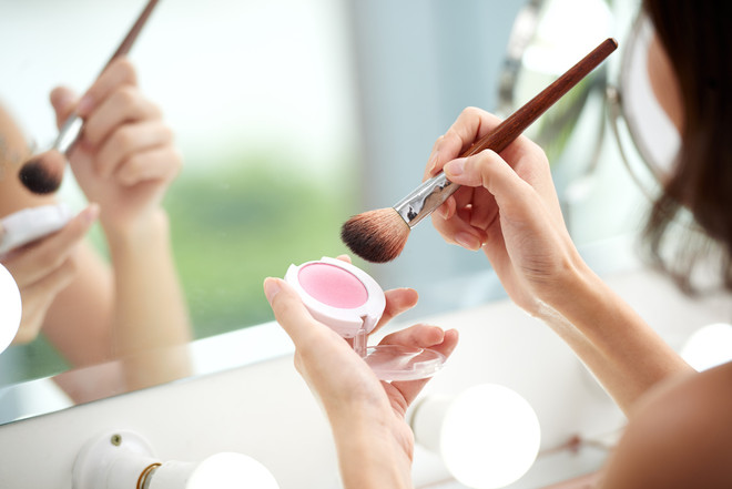 Nail Your Weekend Look with These Simple Makeup Tips