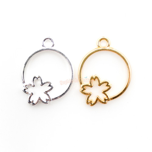Small Sakura Circle Open Bezel Gold Charm (6 pieces)