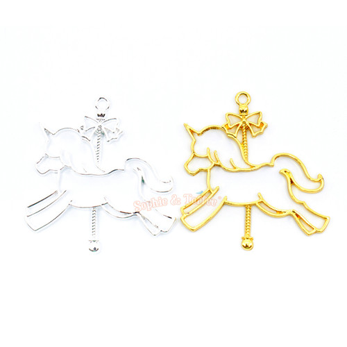 Carousel Unicorn Open Bezel Open Bezel Charm (4 pieces)