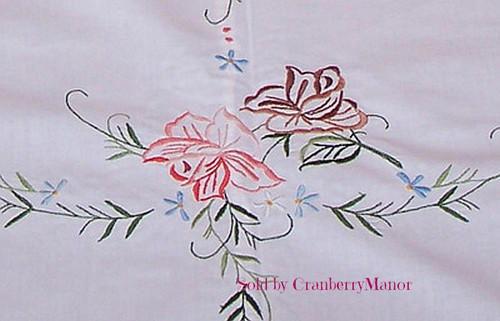 Embroidered Roses Oval Tablecloth Set with 8 Napkins, Vintage Linen Gift