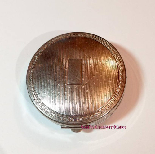 Richard Hudnut Deauville Tri-fold Compact with Rouge Makeup Powder, Puff & Mirror Vintage 1920s Vanity Accessory