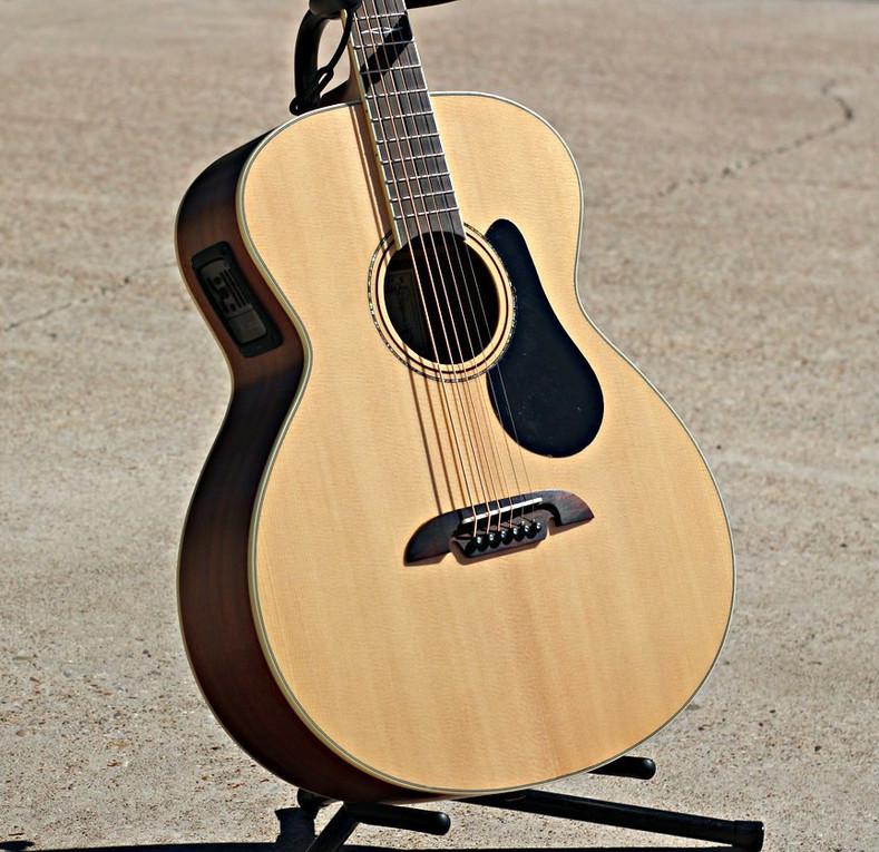 The Alvarez ABT60E Baritone Acoustic Guitar  Review