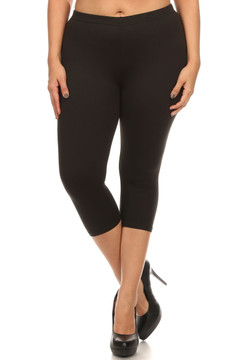 Front side image of Wholesale USA Cotton Capri Length Plus Size Leggings