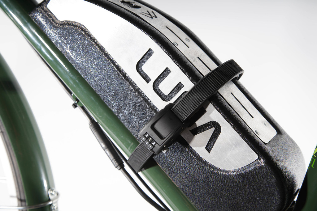 Ottolock Kevlar strap lock on Luna Cycle Wolf Pack battery
