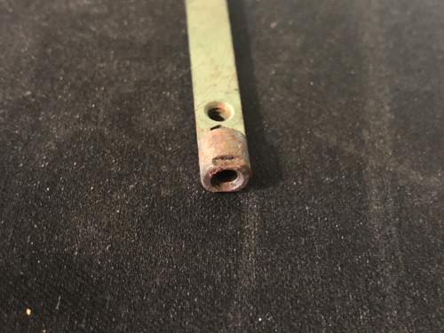 Primary Choke Shaft with screw type end for choke acuator