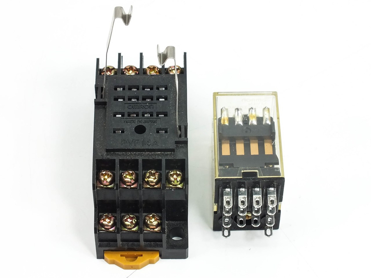 Omron My4n Power Relay With Pyf14a 2 Pole Relay Din Mount