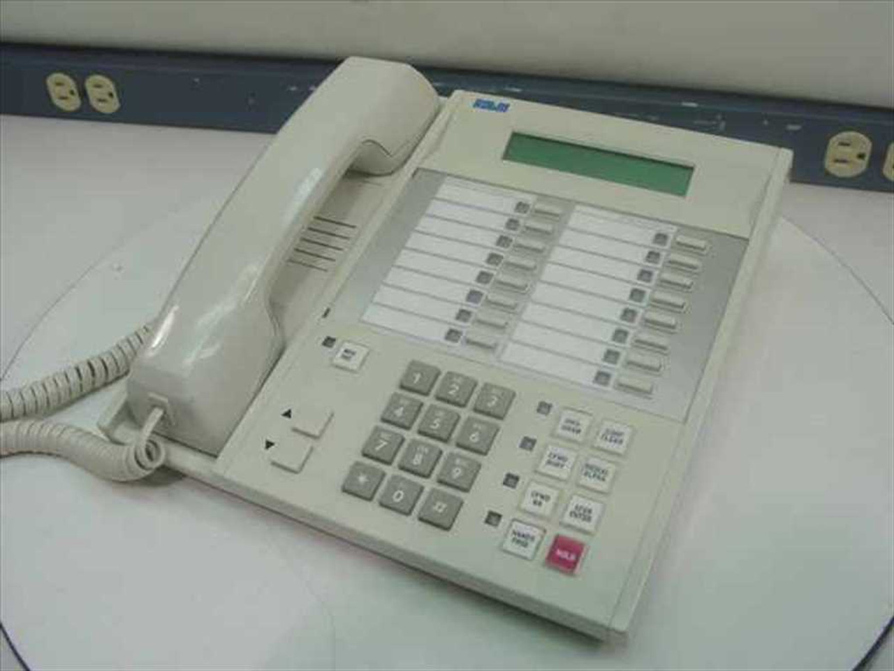 rolm 9225slhk digital telephone set rolmset 9225 white rh recycledgoods com Conference Room Telephone Systems Hotel Guest Room Telephones
