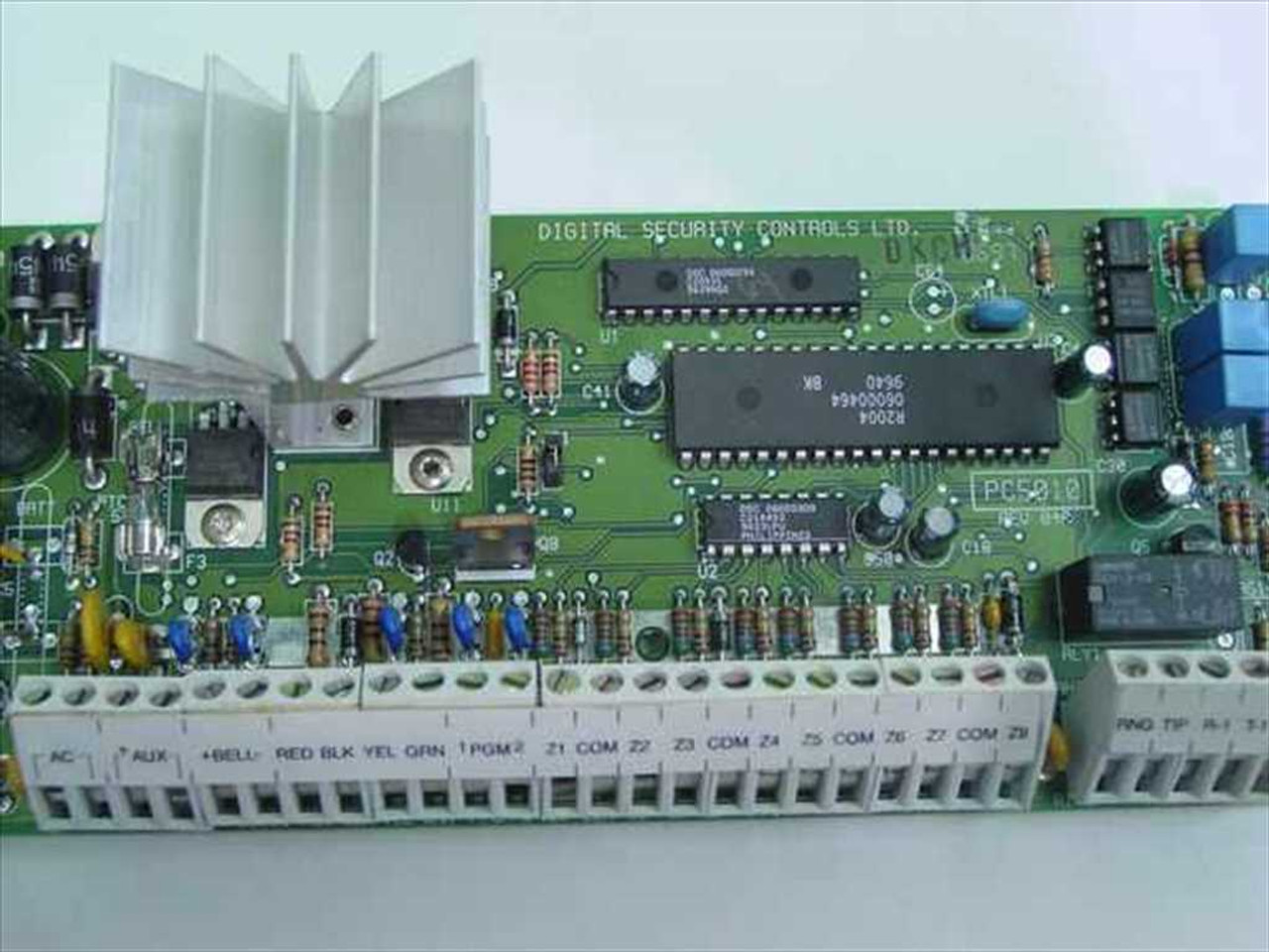 ... DSC PC5010 Power 832 Security Panel and Cabinet ...