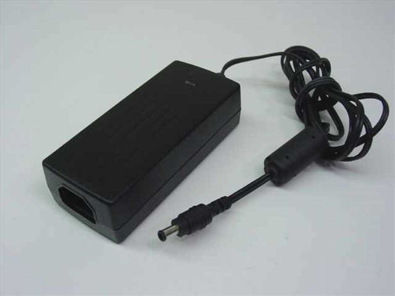 yamaha lse0107a1236 ac adapter for mag lcd 568. Black Bedroom Furniture Sets. Home Design Ideas