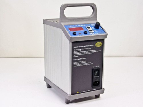 Ametek D40   Farum DK - 3520 Temperature Calibrator in Case