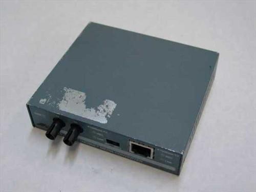 Allied Telesyn TX to FX Fast Ethernet media converter/ST fiber (AT-MC101)