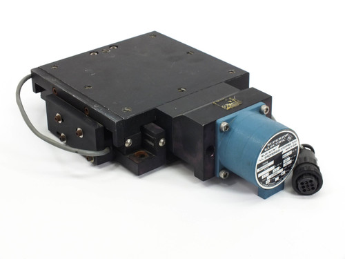Superior Electric M061-CS02 DC Step Motor 5.0V with Daedal Linear Table