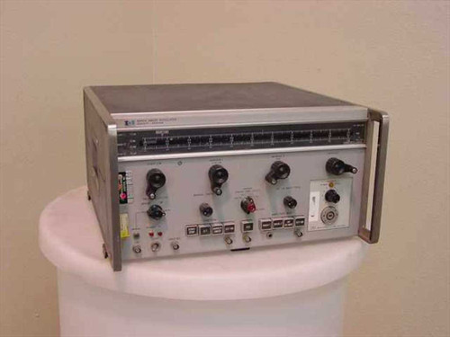 HP 8690A  Sweep Oscillator with HP 8697A-H73 Plug In - Untes