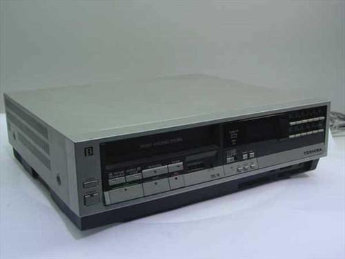 Toshiba V-M40  Beta Video Cassette Recorder AC120V 60Hz 30W
