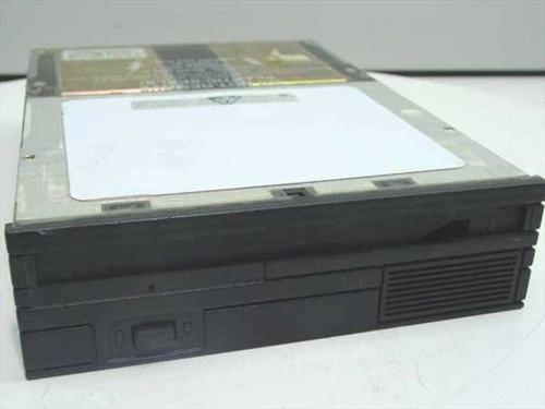 "Iomega Beta 20ZA  Optical Drive 5.25"" SCSI Drive"