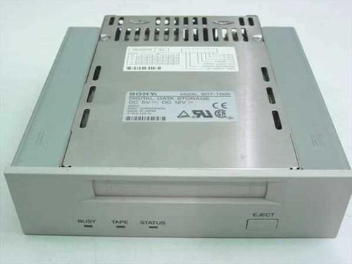 Sony SDT-7000  3.5 tape drive in 5.25 case