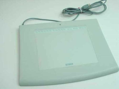 Wacom GD-0608-U  USB Intuos Graphics Tablet - NO Grip Pen