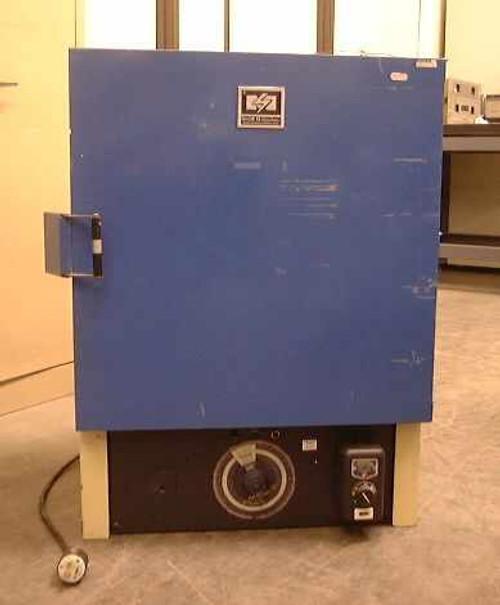 Blue M E-SP-400C-3  Large Laboratory Oven 204C w/ 2 shelves