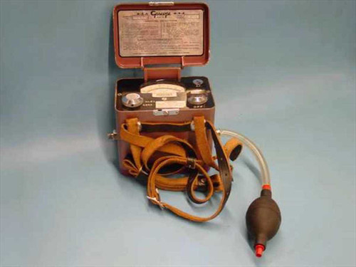 MSA 53  Portable Gascope w/ aspirator bulb.