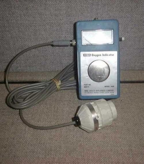 MSA 244R Oxygen Indicator  Portable Oxygen indicator includes indicator, tubi