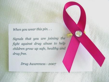 drug-awareness-pin-b.jpg