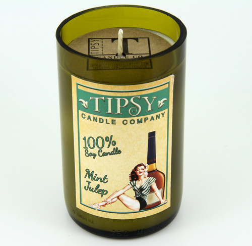 The flawless style of this Kentucky derby classic cocktail inspires our mint julep candle, let it invigorate your spirit and refresh your senses.