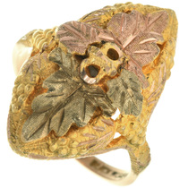 Vintage Black Hills 10K Gold Ring 31606