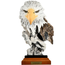 Bald Eagle Sculpture 32079