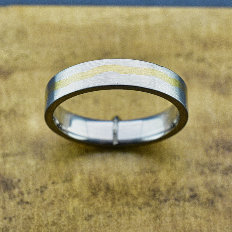 Platinum Mens Heavy Band with Inlaid 24k Gold