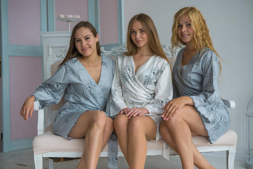 Premium Scalloped Trim Bridesmaids Robes - Gray Floral Sketch