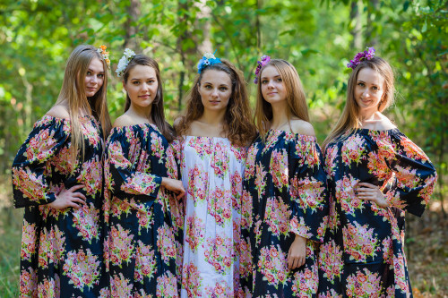 Serene Strapless Style Kaftans for bridesmaids to get ready in