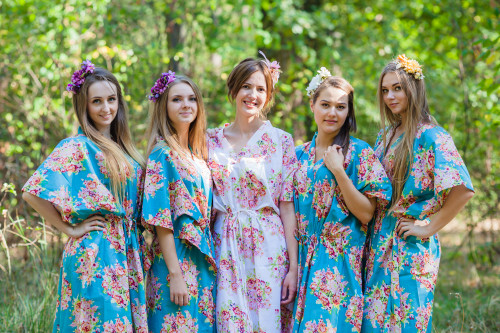 The Drop-Waist Style Kaftans for bridesmaids to get ready in