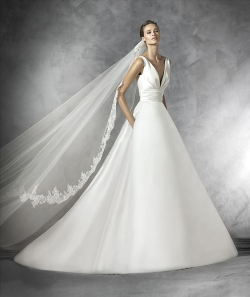 Pronovias Wedding Dress Plaza