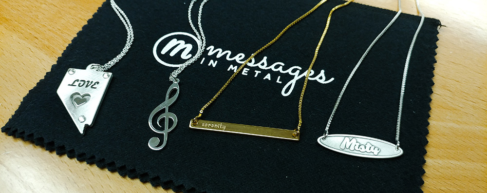 Guide to choosing a name necklace