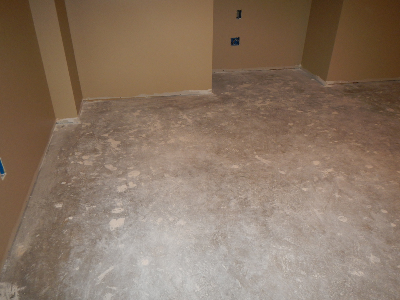 SealGreen Color Stain primer Cleaner cleans drywall mud stains, and conditions the floor for a color stain application