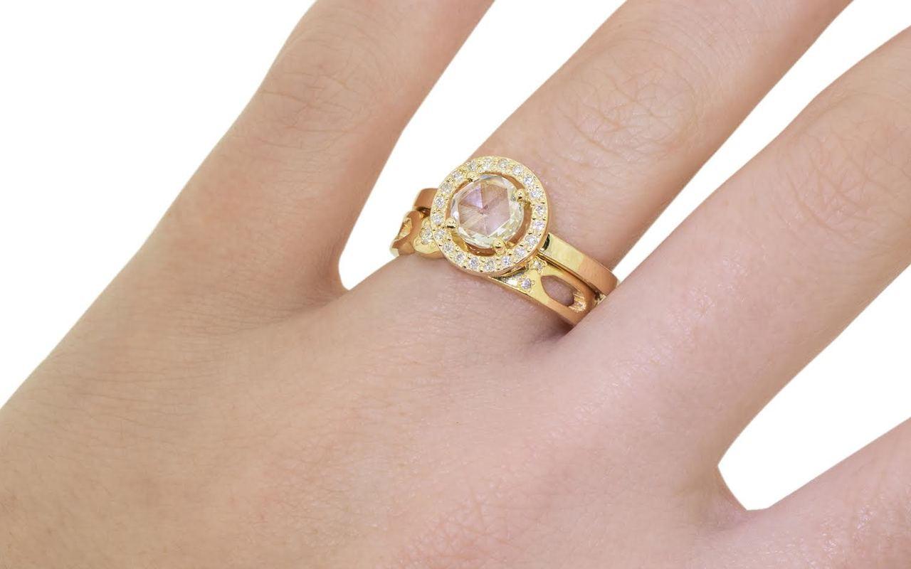 87 Carat White Diamond Ring with Diamond Halo - Chinchar