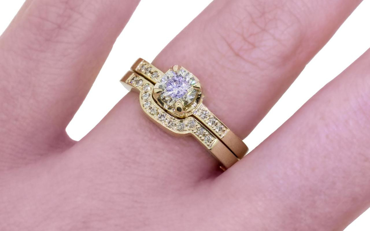 61 Carat Champagne Diamond Wedding Set in Yellow Gold - CHINCHAR•MALONEY