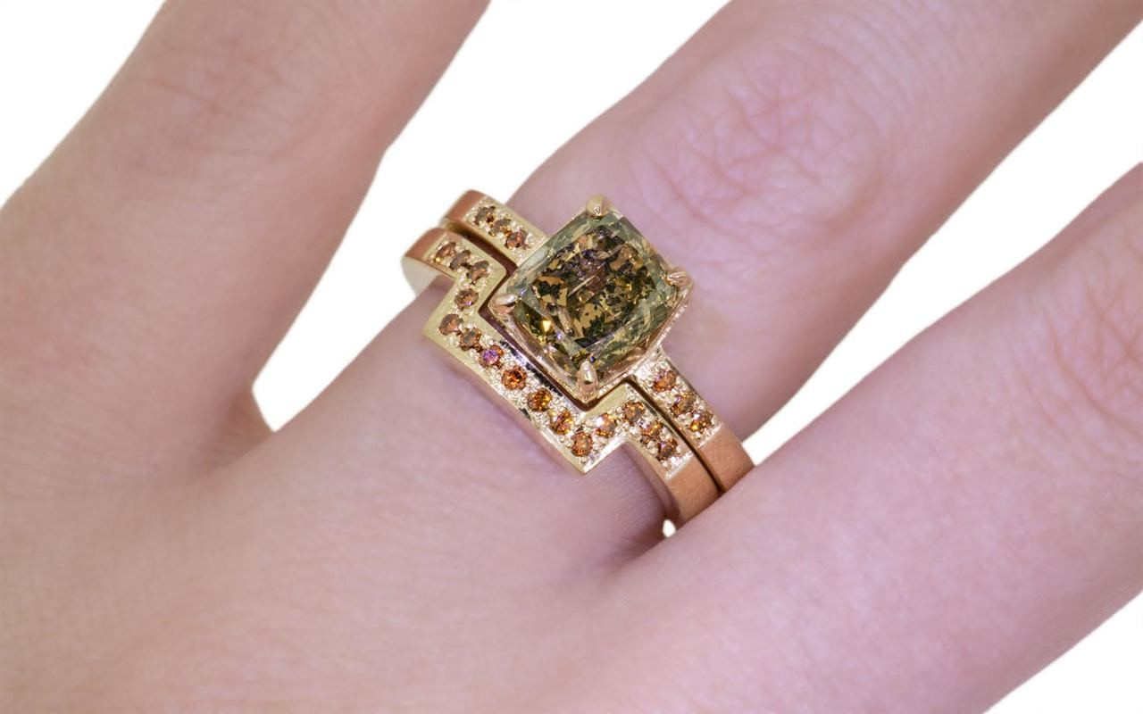 218 Carat Dark Champagne Diamond Wedding Set in Yellow Gold