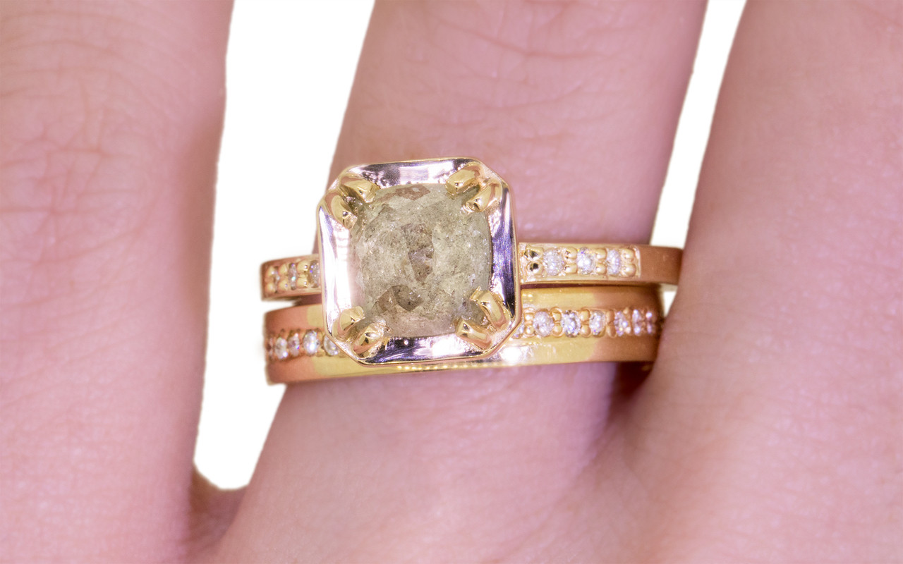 AIRA Ring in Yellow Gold with 1.38 Carat Light Gray Diamond ...