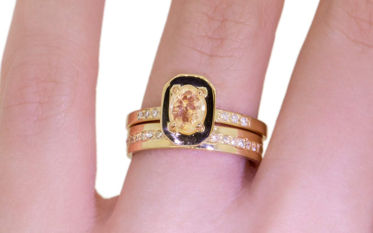 KIKAI Ring in Yellow Gold with .96 Carat Yellow Sapphire - CHINCHAR ...