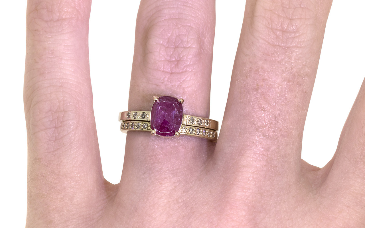 1.52 Carat Ruby Ring in Yellow Gold - CHINCHAR•MALONEY