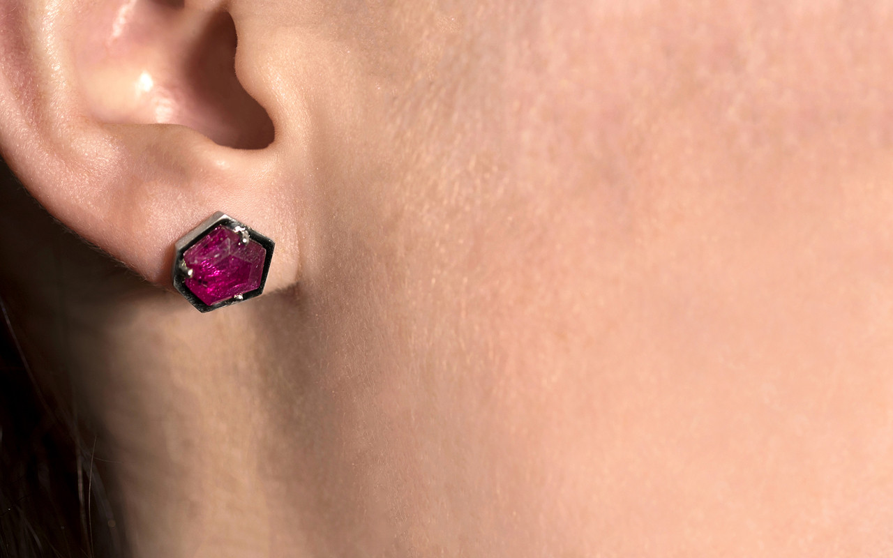 KIKAI 3.35 carat free form rose cut ruby stud earrings set in 14k white gold on a ear. Part of our New Classic Collection.