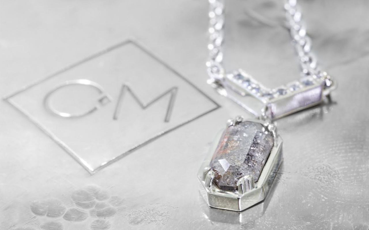 MALLAHLE Necklace in White Gold with 1.37 Carat Gray and Rust Diamond