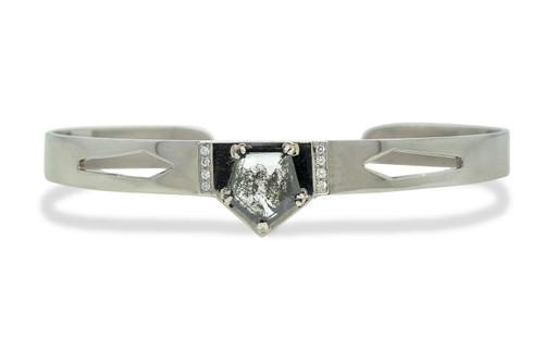 MERU Bracelet in White Gold with 1.56 Carat Salt and Pepper Diamond
