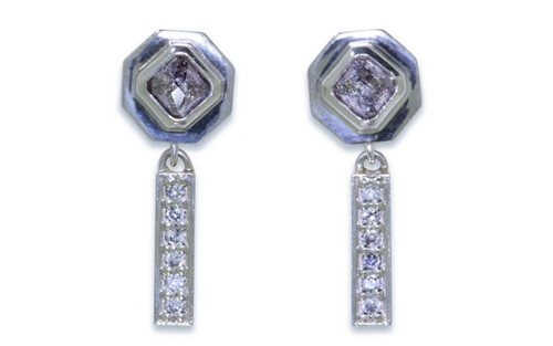 KUTTARA Earrings in White Gold with .77 Carat Purplish Gray Diamonds