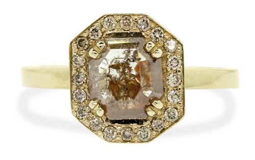 KATLA Ring in Yellow Gold with 1.09 Carat Peach/Champagne Diamond