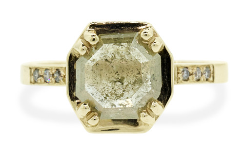 AIRA 1.15 carat hexagon rose cut light champagne diamond prong set in 14k yellow gold geometric octangular setting. Six 1.2mm brilliant gray diamonds set in 14k yellow gold band. New Classic Collection.