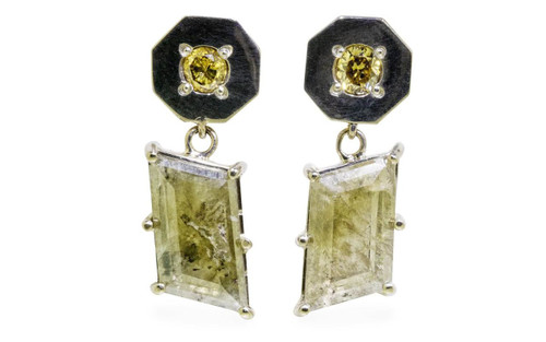 KUTTARA Earrings in White Gold with 2.59 Carat Green Diamonds